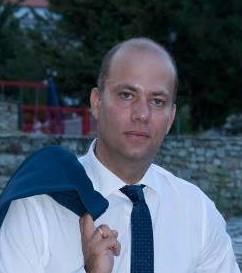 Mr Max Manos